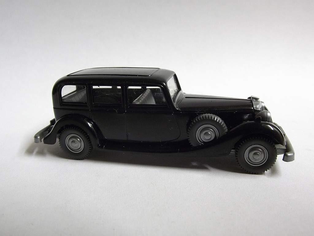 825/F schwarz, lichtgraue Inneneinrichtung